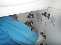 トラブラン通信販売事業部 シャンピーヌS洗面化粧台器具付け作業