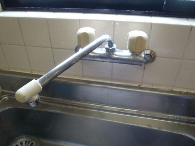 TOTO キッチン用水栓金具 /エコシングル水栓/シングルレバー混合栓(台付き・壁付きタイプ) [TKHG30E]