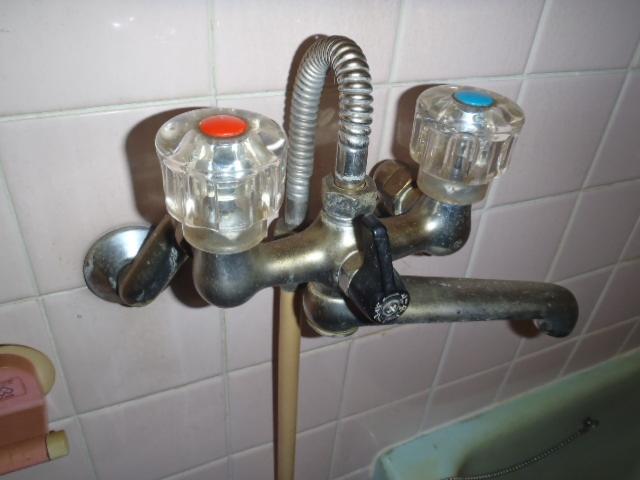 TOTO 浴室シャワー水栓金具 壁付タイプ/メタルジョイシリーズ・シングルレバー混合水栓・一般地 [TMJ40C3S]