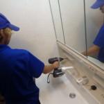 シャンピーヌ 取付工事 通販 洗面台 トラブラン 作業中