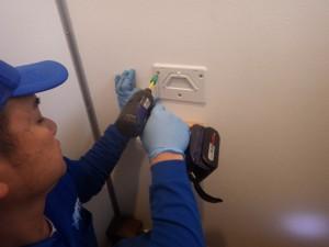 トイレのリモコン取替え 施工中 工事プラン トラブラン